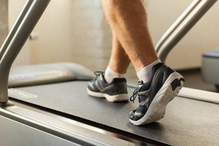 Trung tính hoặc Ổn định - Loại giày nào sẽ hoạt động tốt nhất với loại bàn chân của bạn?