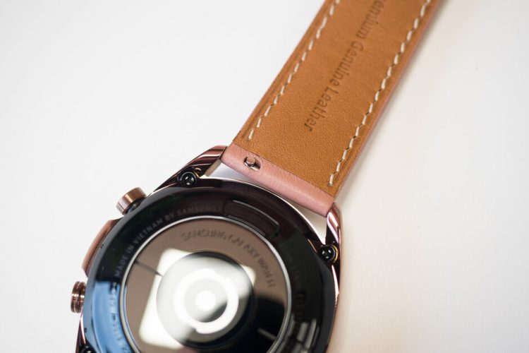 Samsung-Galaxy-Watch-3-Review005.jpg
